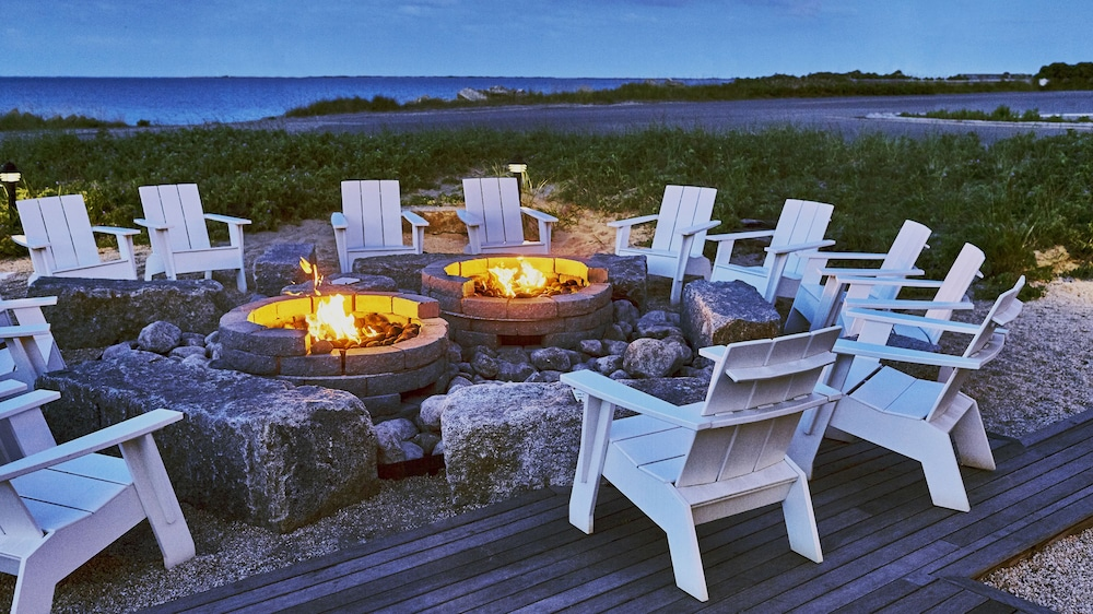 Awe Inspiring Harbor Hotel Provincetown In Provincetown Hotel Rates Alphanode Cool Chair Designs And Ideas Alphanodeonline