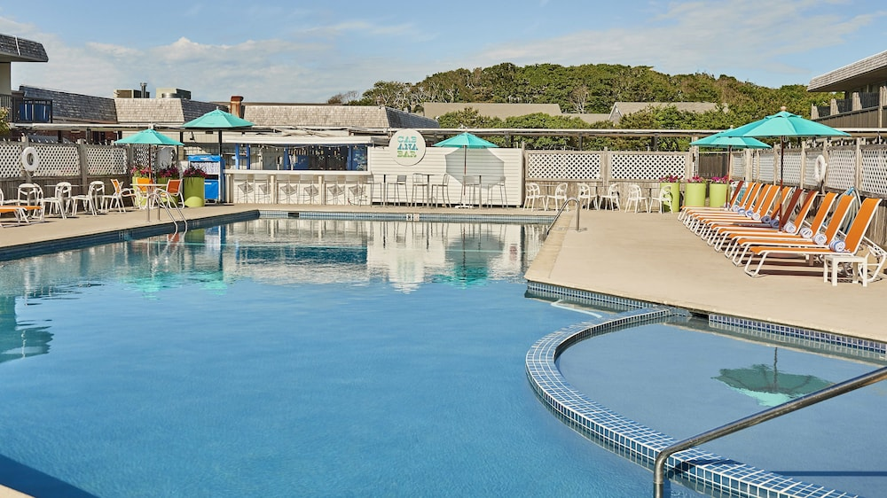 Outdoor Pool, Harbor Hotel Provincetown