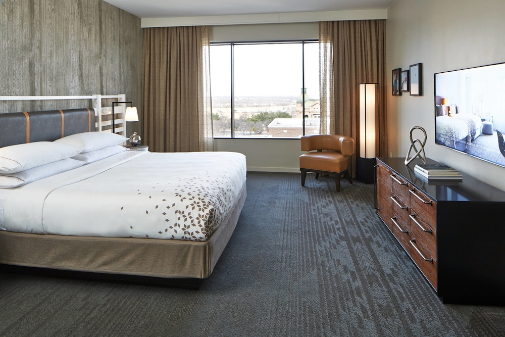 Room, The Worthington Renaissance Fort Worth Hotel