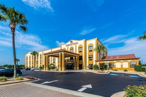 Great Place to stay Comfort Suites near Robins Air Force Base near Warner Robins