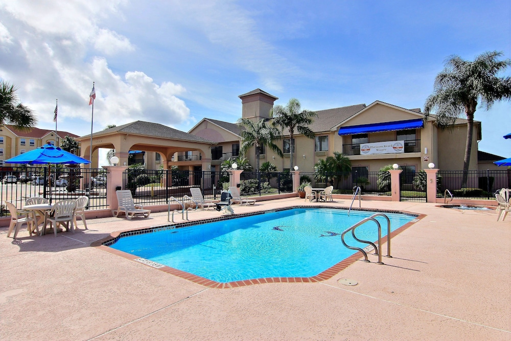 Outdoor Pool, Quality Inn Ingleside - Corpus Christi