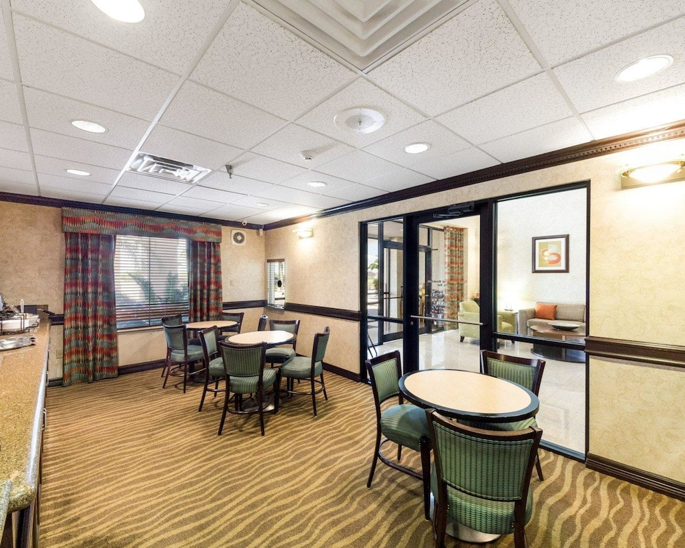 Breakfast Area, Quality Inn Ingleside - Corpus Christi