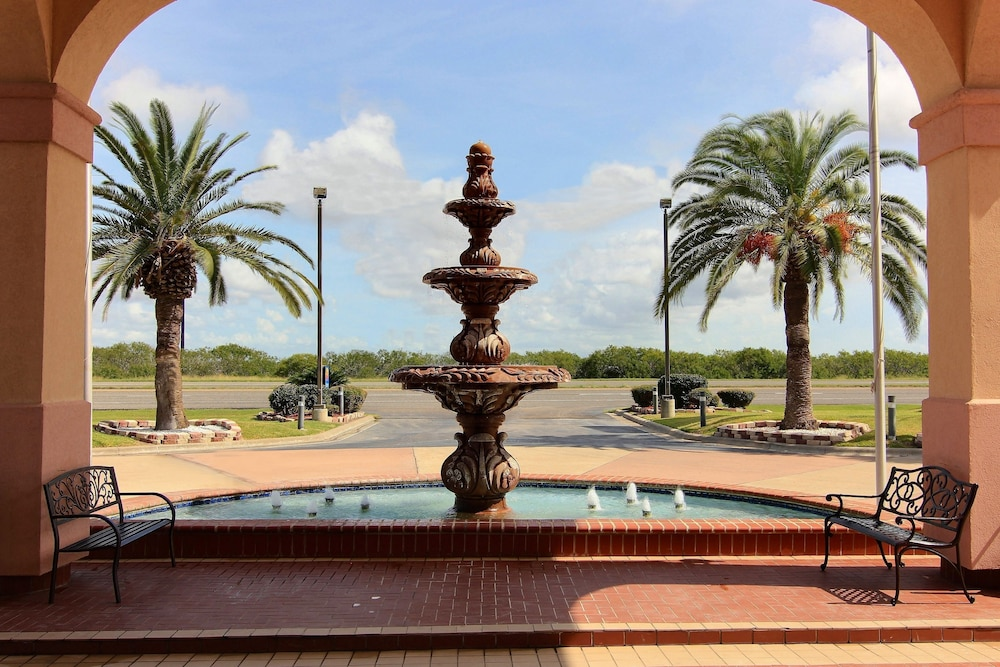 Fountain, Quality Inn Ingleside - Corpus Christi