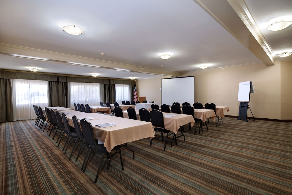 Meeting Facility, Holiday Inn Express Port Hueneme, an IHG Hotel