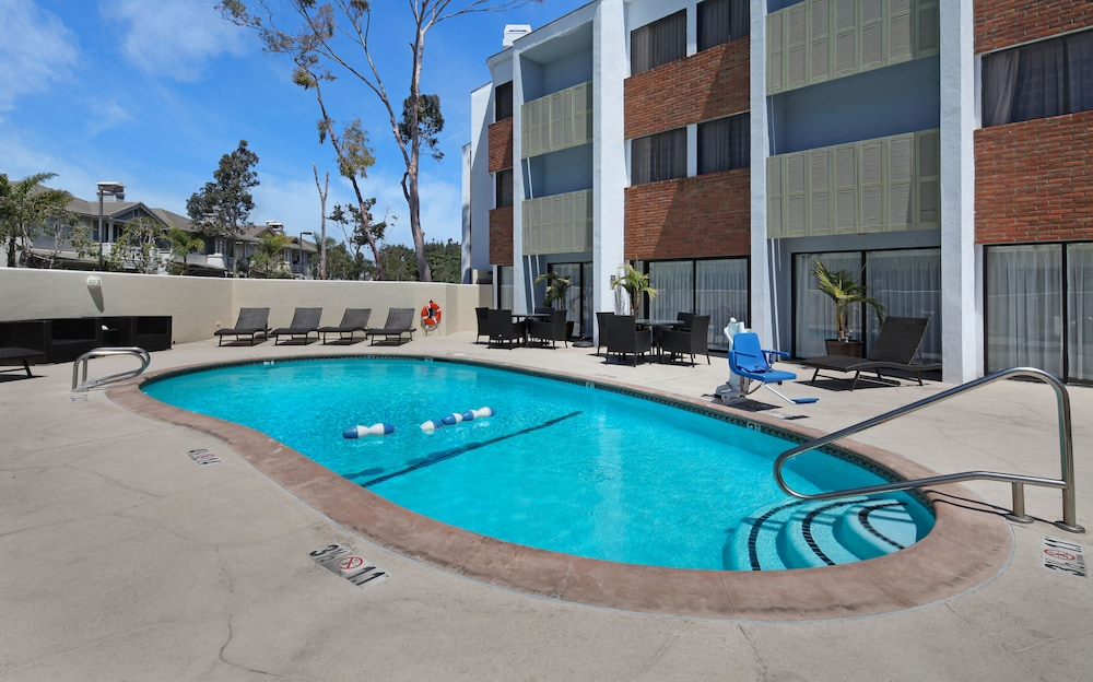 Outdoor Pool, Holiday Inn Express Port Hueneme, an IHG Hotel