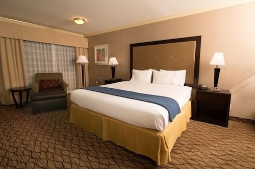 Room, Holiday Inn Express Port Hueneme, an IHG Hotel