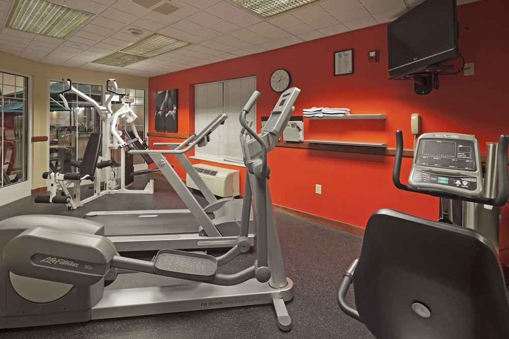 Fitness Facility, Country Inn & Suites by Radisson, Milwaukee West (Brookfield), WI