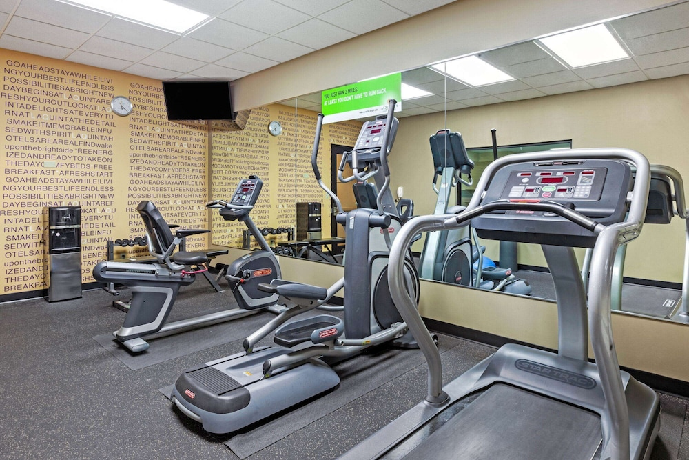 Fitness Facility, La Quinta Inn & Suites by Wyndham South Bend