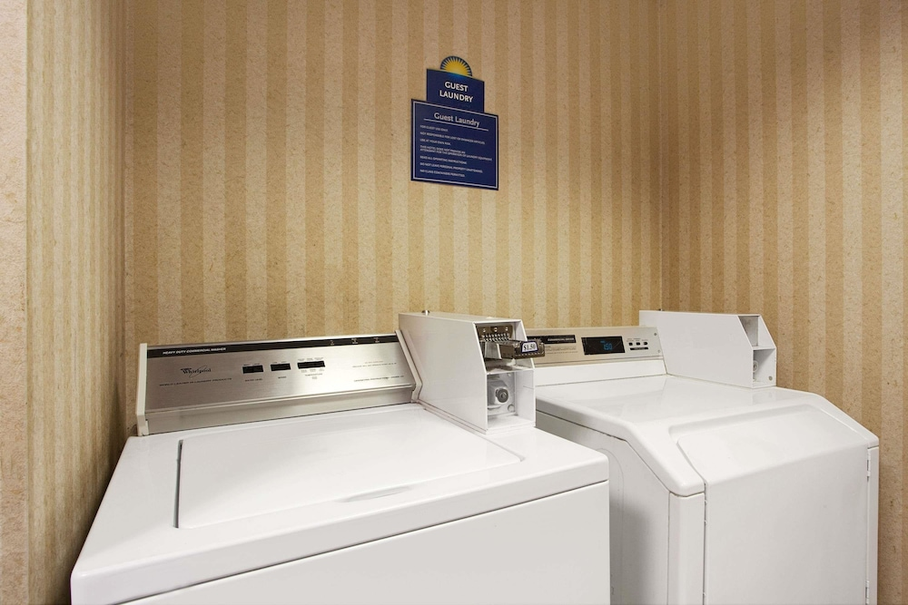 Property Amenity, Days Inn & Suites by Wyndham Ridgeland