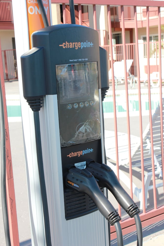 Electric vehicle charging station, Days Inn by Wyndham Barstow