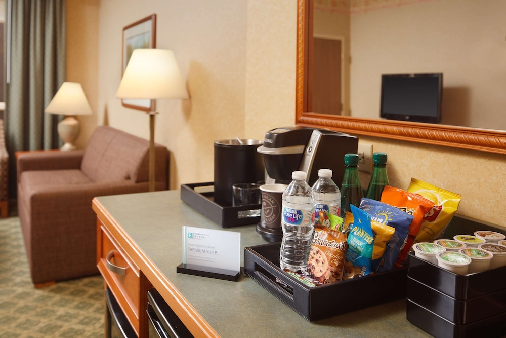 Room, Embassy Suites by Hilton Charleston Airport Convention Ctr