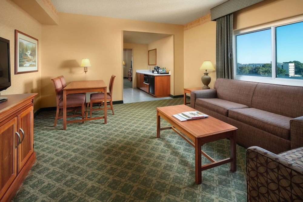 Room Amenity, Embassy Suites by Hilton Charleston Airport Convention Ctr