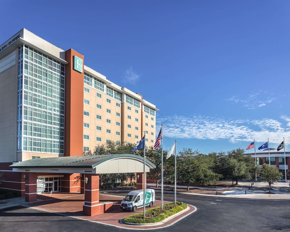 Exterior, Embassy Suites by Hilton Charleston Airport Convention Ctr