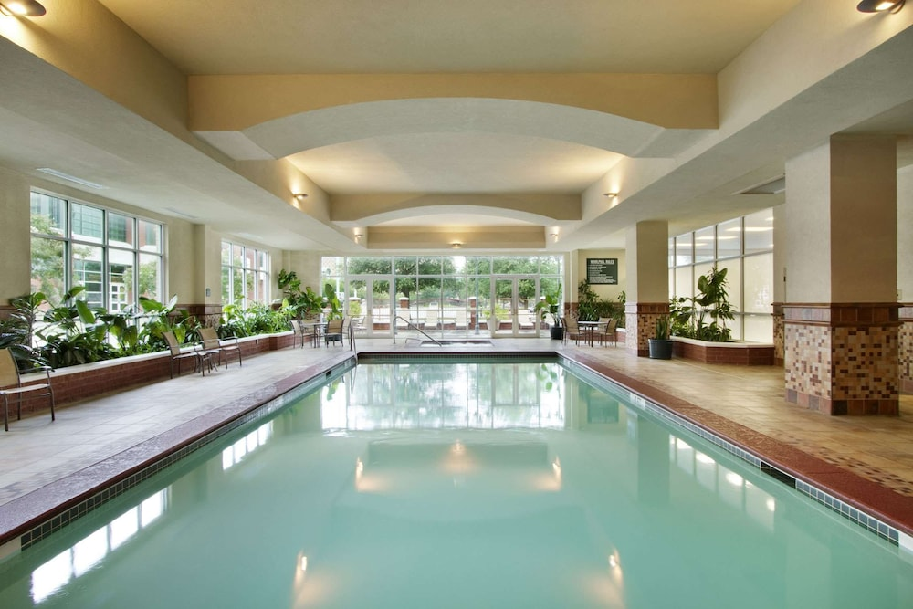 Pool, Embassy Suites by Hilton Charleston Airport Convention Ctr