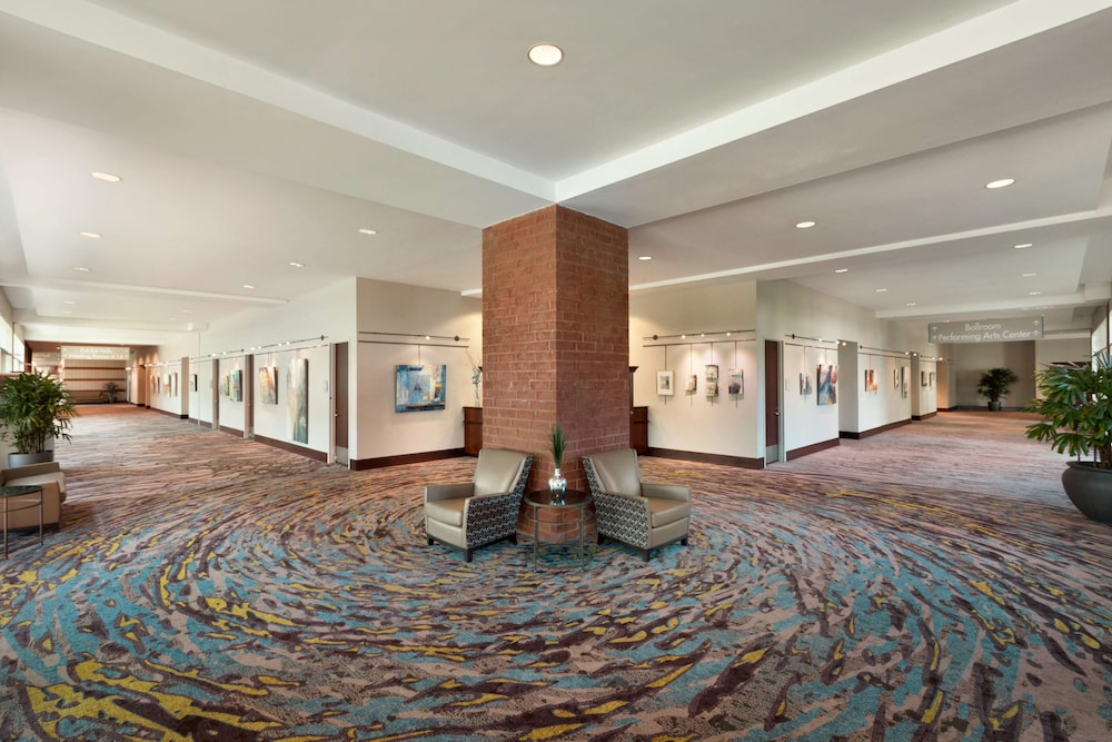 Interior, Embassy Suites by Hilton Charleston Airport Convention Ctr