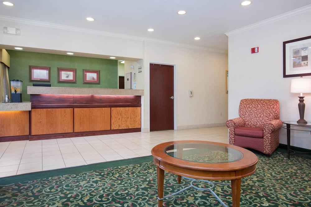 Fairfield Inn By Marriott Vacaville 2019 Room Prices 129 Deals