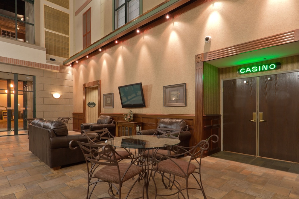 Lobby Sitting Area, Holiday Inn Express Hotel & Suites Deadwood-Gold Dust Casino, an IHG Hotel