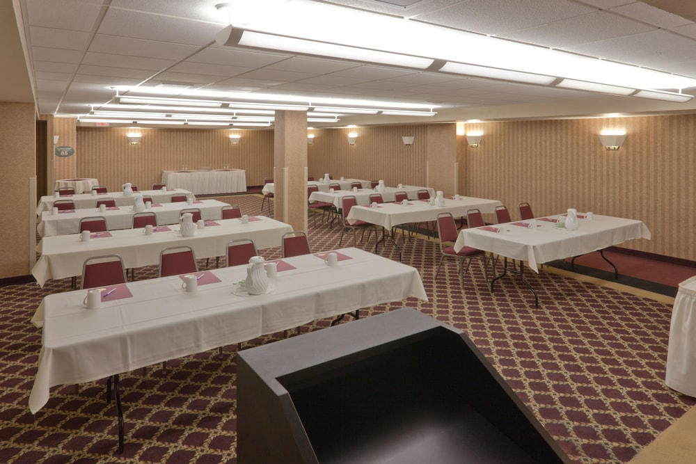 Meeting Facility, Holiday Inn Express Hotel & Suites Deadwood-Gold Dust Casino, an IHG Hotel