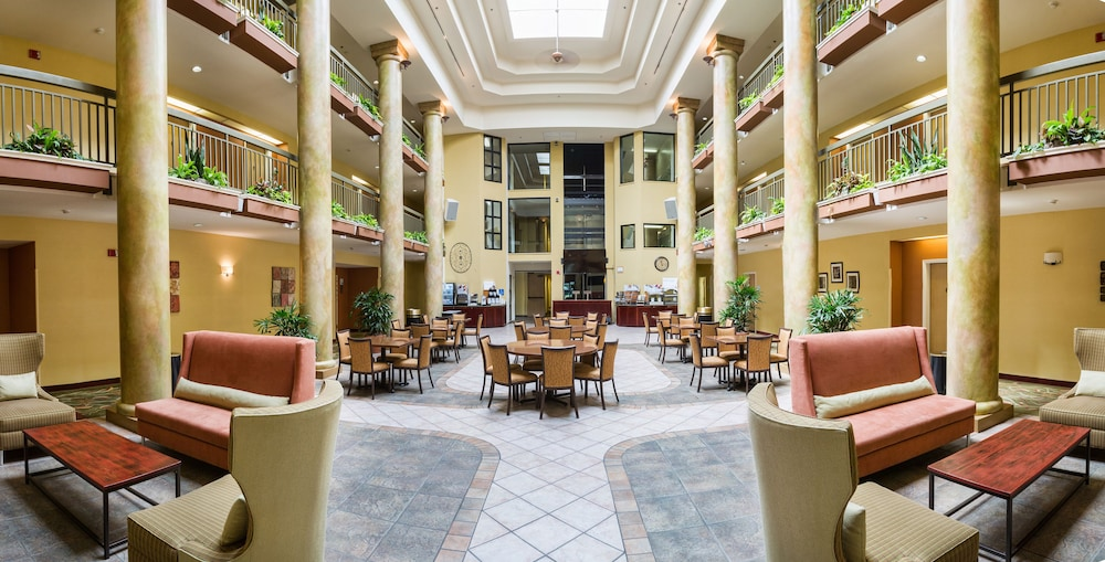 Dining, Holiday Inn Express Hotel & Suites San Jose-Morgan Hill, an IHG Hotel