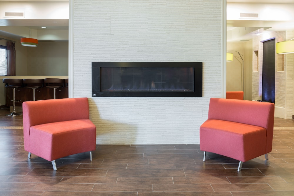 Fireplace, Holiday Inn Express Hotel & Suites San Jose-Morgan Hill, an IHG Hotel