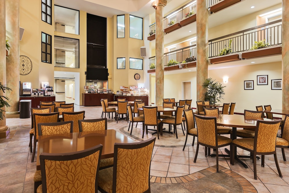 Breakfast Meal, Holiday Inn Express Hotel & Suites San Jose-Morgan Hill, an IHG Hotel