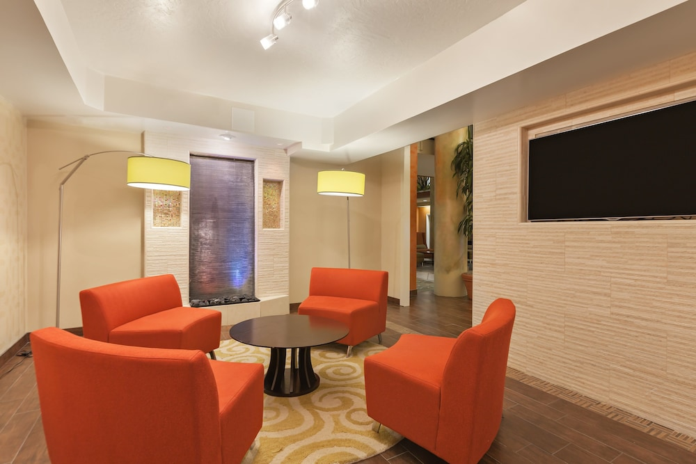 Lobby, Holiday Inn Express Hotel & Suites San Jose-Morgan Hill, an IHG Hotel