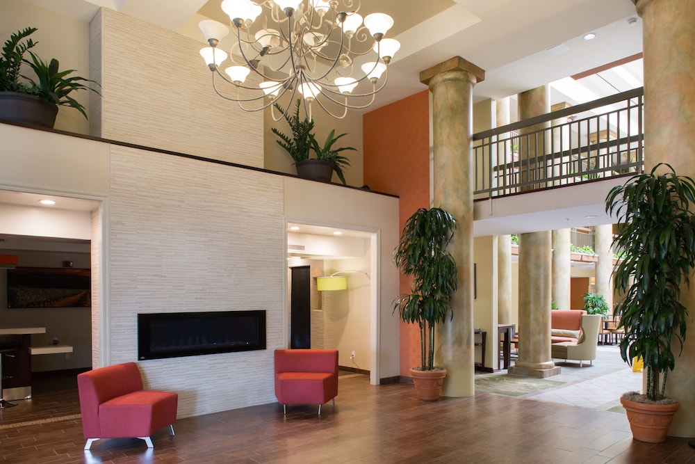 Lobby Sitting Area, Holiday Inn Express Hotel & Suites San Jose-Morgan Hill, an IHG Hotel