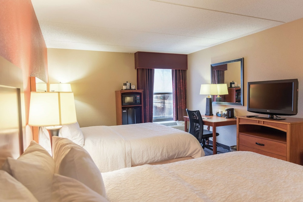 Room, Hampton Inn Muskegon