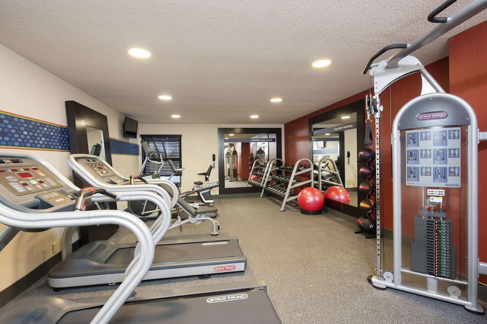 Fitness Facility, Hampton Inn Muskegon