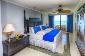 Royal Level Suite Lateral Ocean View - Guestroom
