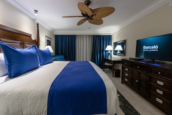 Royal Level Luxury Lateral Ocean View - Guestroom