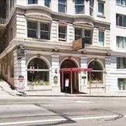 ジ アンドリュース ホテル