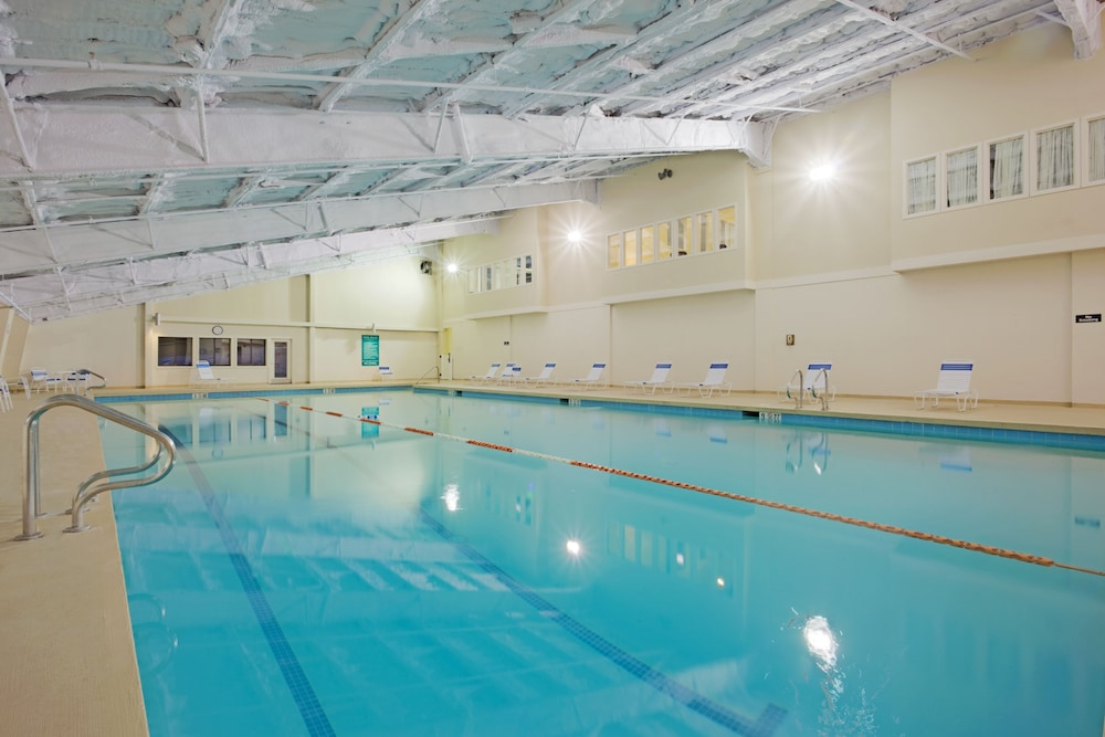 Indoor Pool, Holiday Inn Club Vacations Mount Ascutney Resort