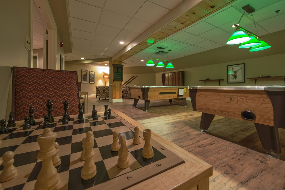Game Room, Holiday Inn Club Vacations Mount Ascutney Resort