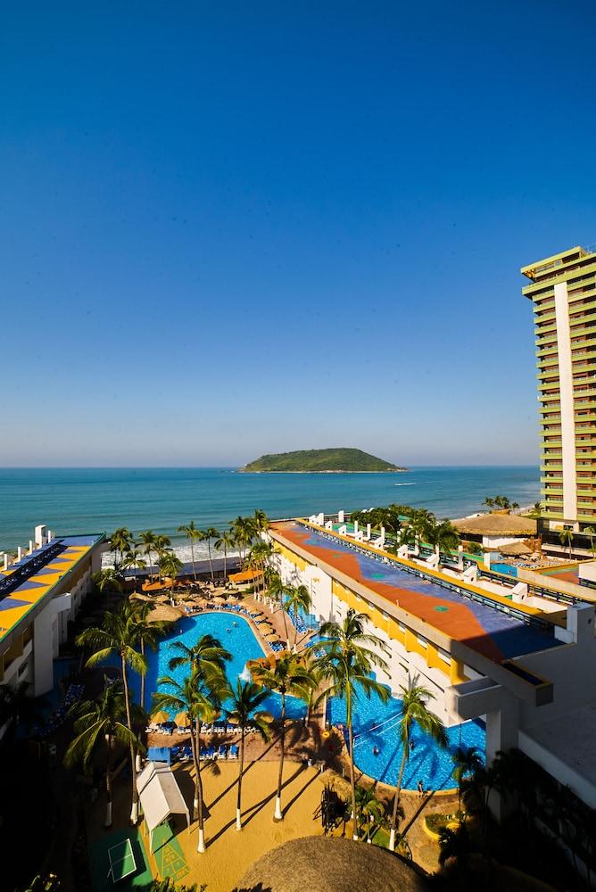 El Cid Castilla vacation deals - Lowest Prices, Promotions ...