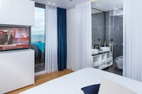 Signature Suite, 2 Bedrooms, Kitchenette, Sea View