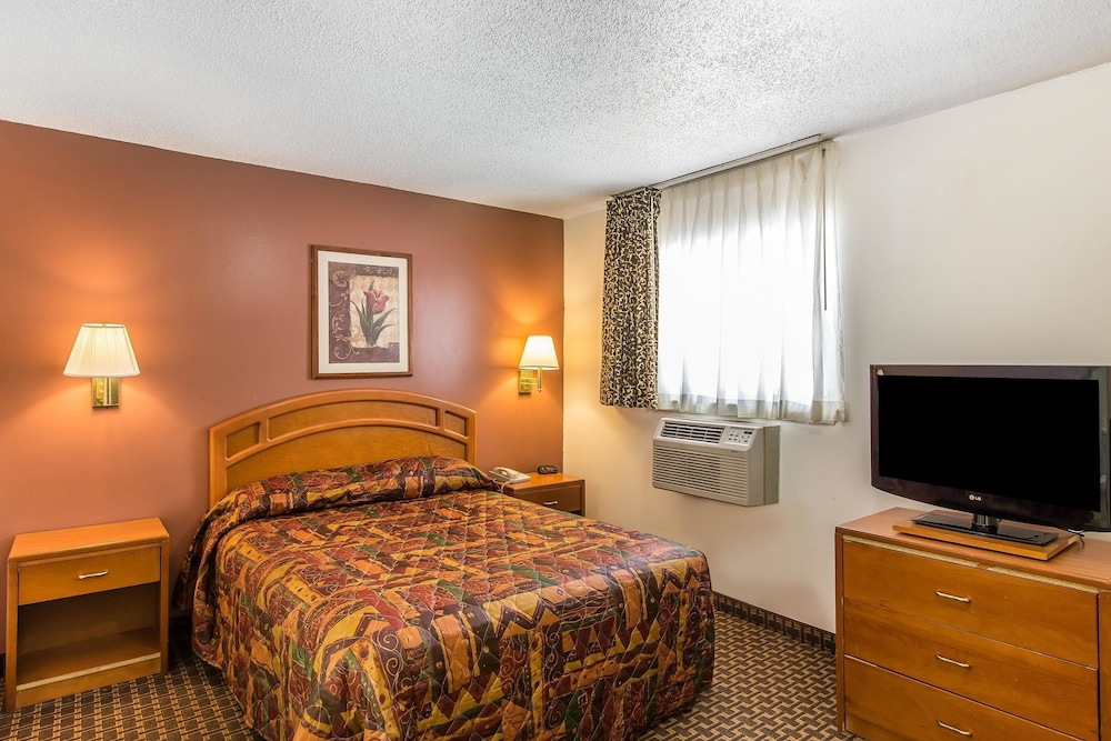Room, Suburban Extended Stay Abercorn