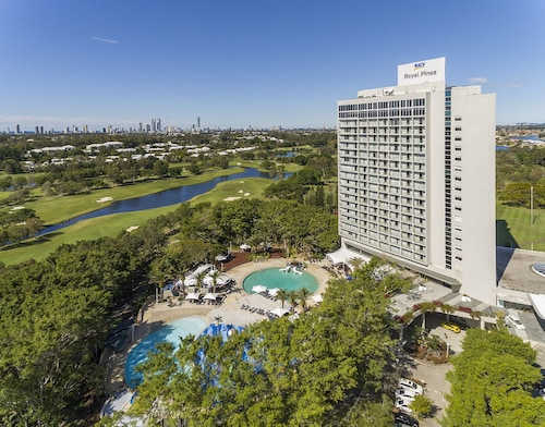 Gold Coast Waterpark Hotels: Cheap Hotels with Water Parks