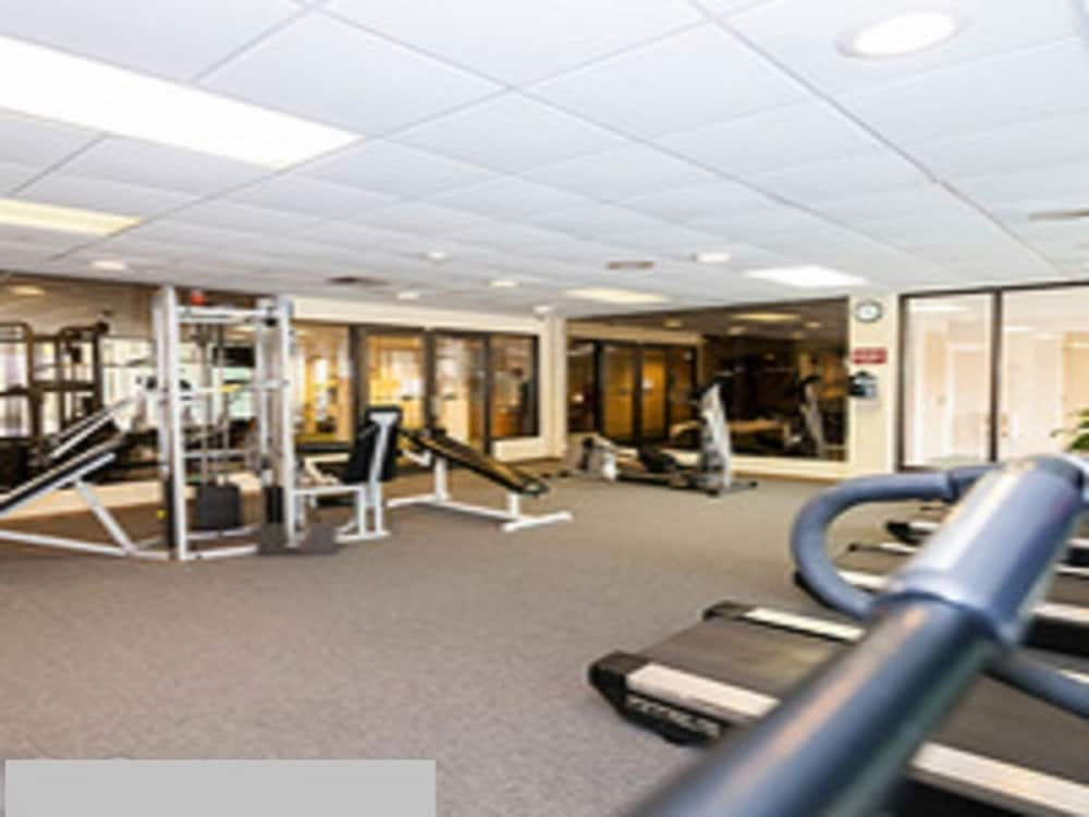 Gym, Chateau Resort & Conference Center