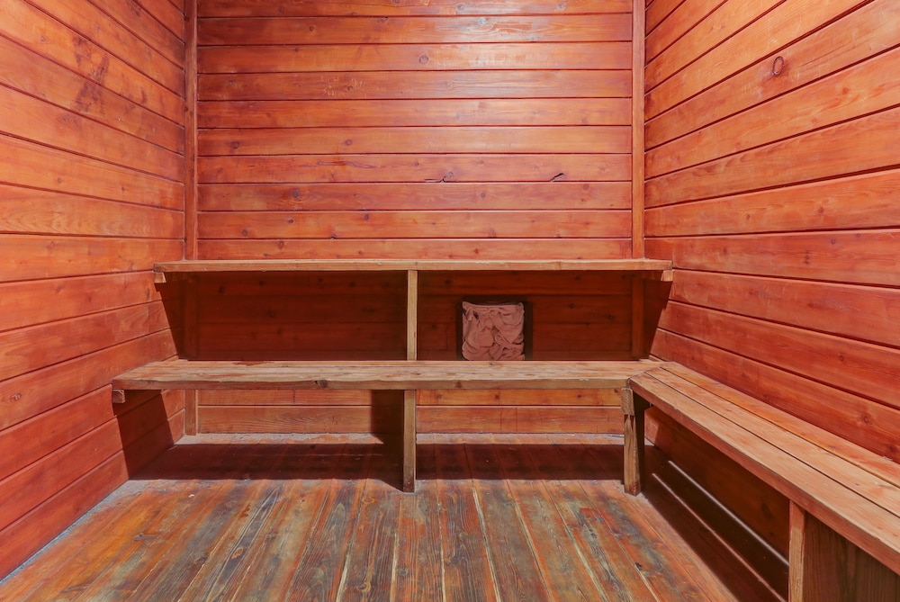 Sauna, Chateau Resort & Conference Center