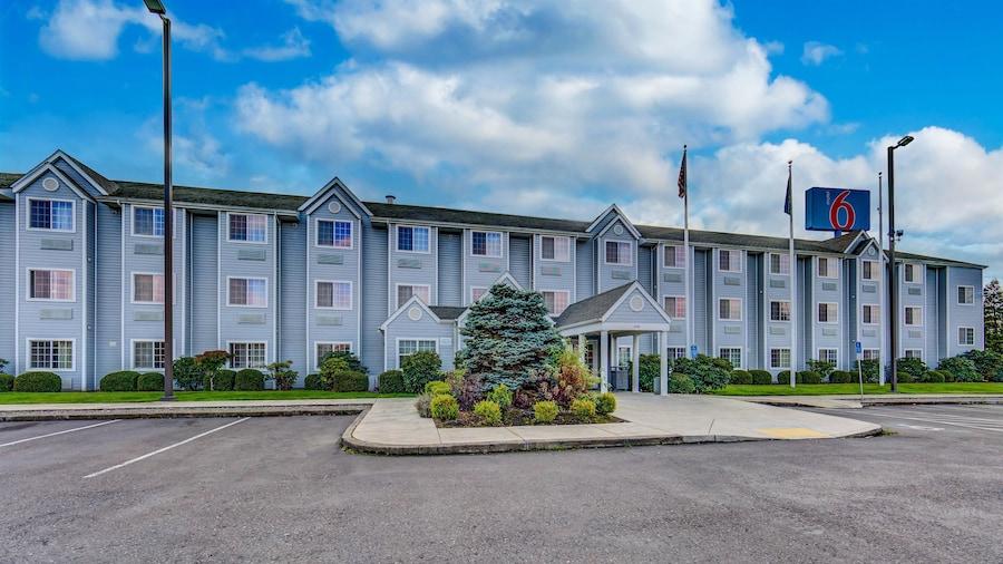 Motel 6 Sutherlin, OR