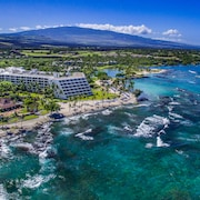 Mauna Lani Bay Hotel and Bungalows