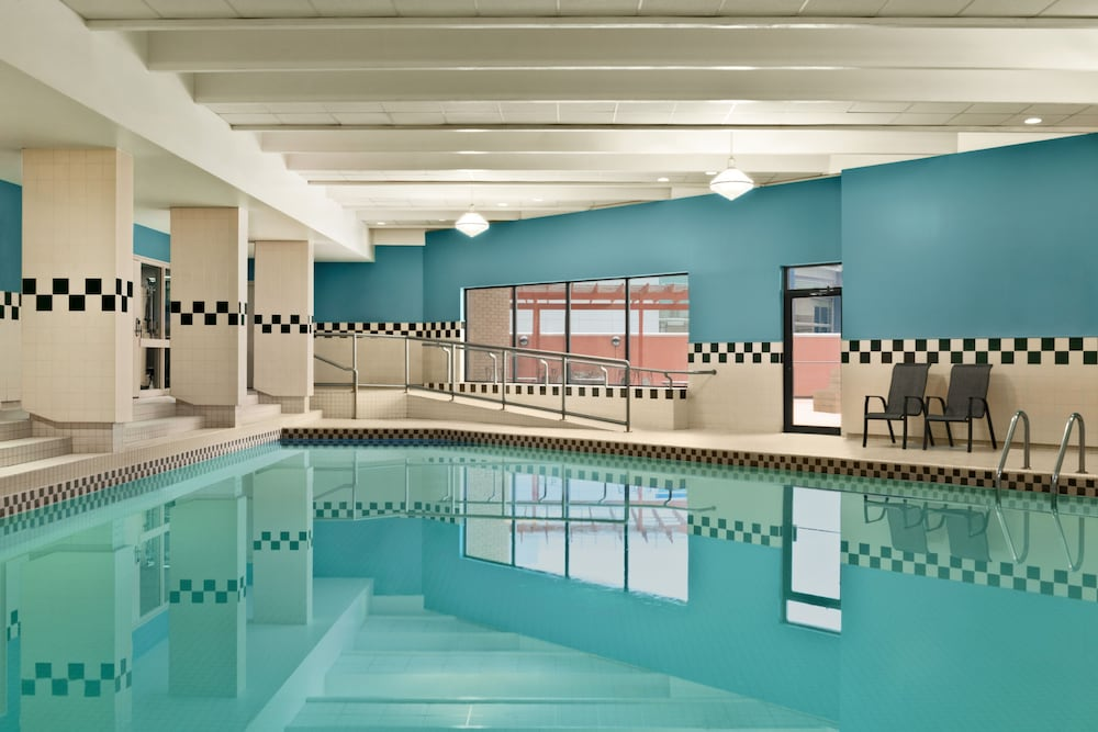 Indoor Pool, Hilton Garden Inn Saskatoon Downtown