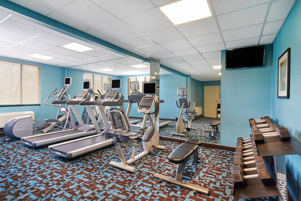 Fitness Facility, Fairfield Inn & Suites by Marriott Lombard