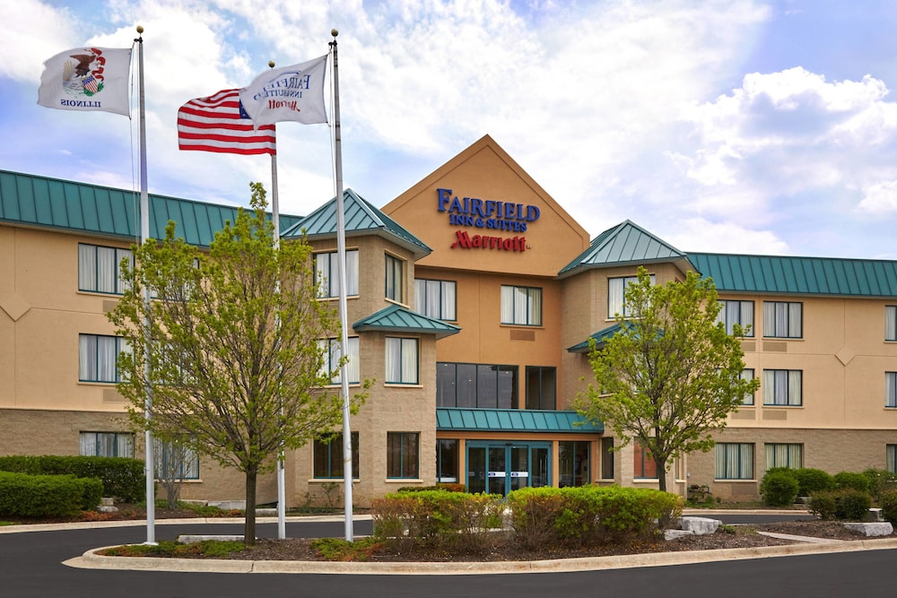 Exterior, Fairfield Inn & Suites by Marriott Lombard