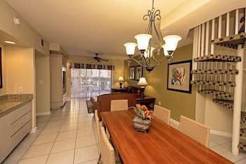 Villa, 3 Bedrooms - Room Service - Dining