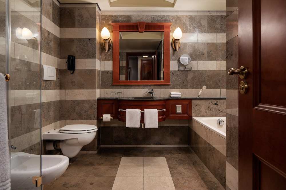 Bathroom, Sheraton Pretoria Hotel