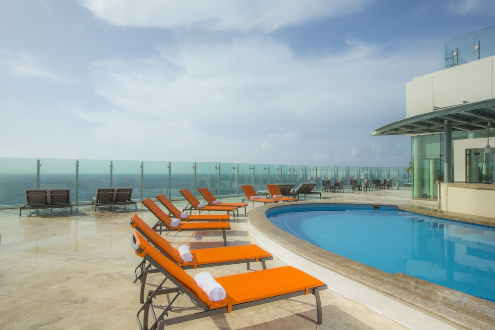 Book beach palace resort all inclusive cancun hotel deals for All inclusive hotel packages