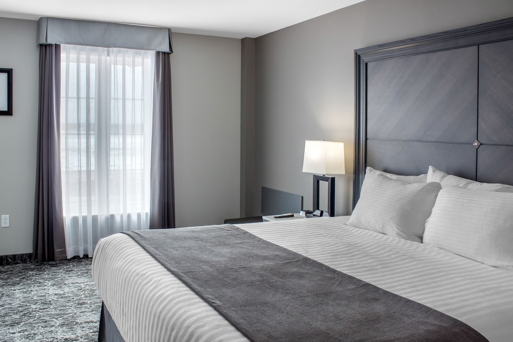 Room, Chateau Moncton Trademark Collection by Wyndham