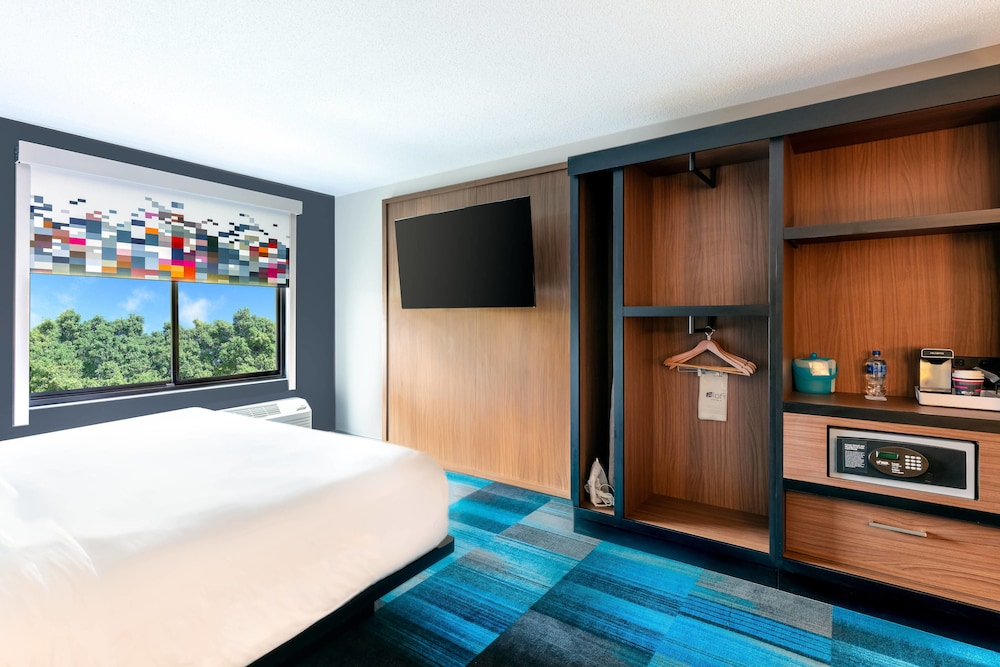 Room, Aloft Columbia Harbison